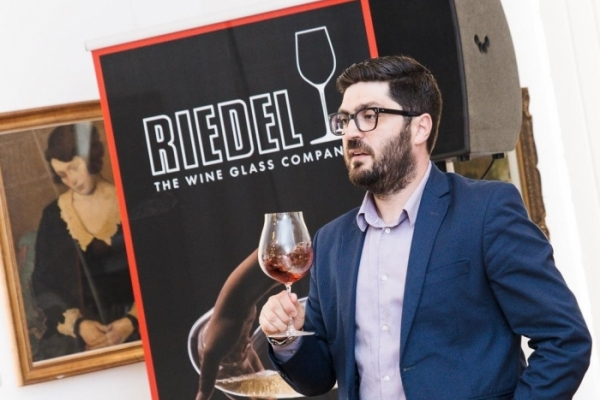 RIEDEL PERFORMANCE EXPERIENCE by Vinimondo